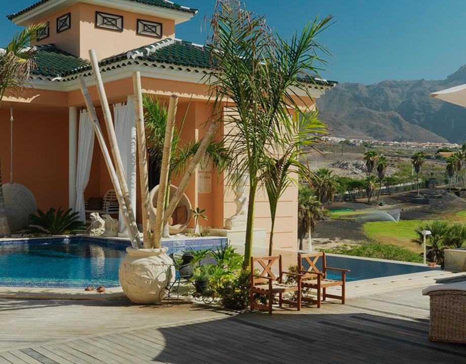 golf resort villa closer